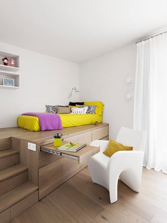 white-contemporary-platform bed