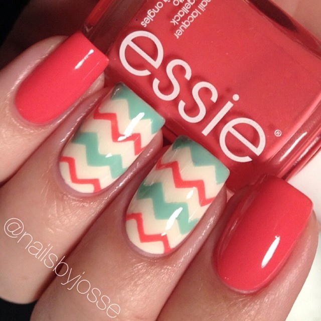 15 Zig-Zag Nail Art Designs To Try This Spring