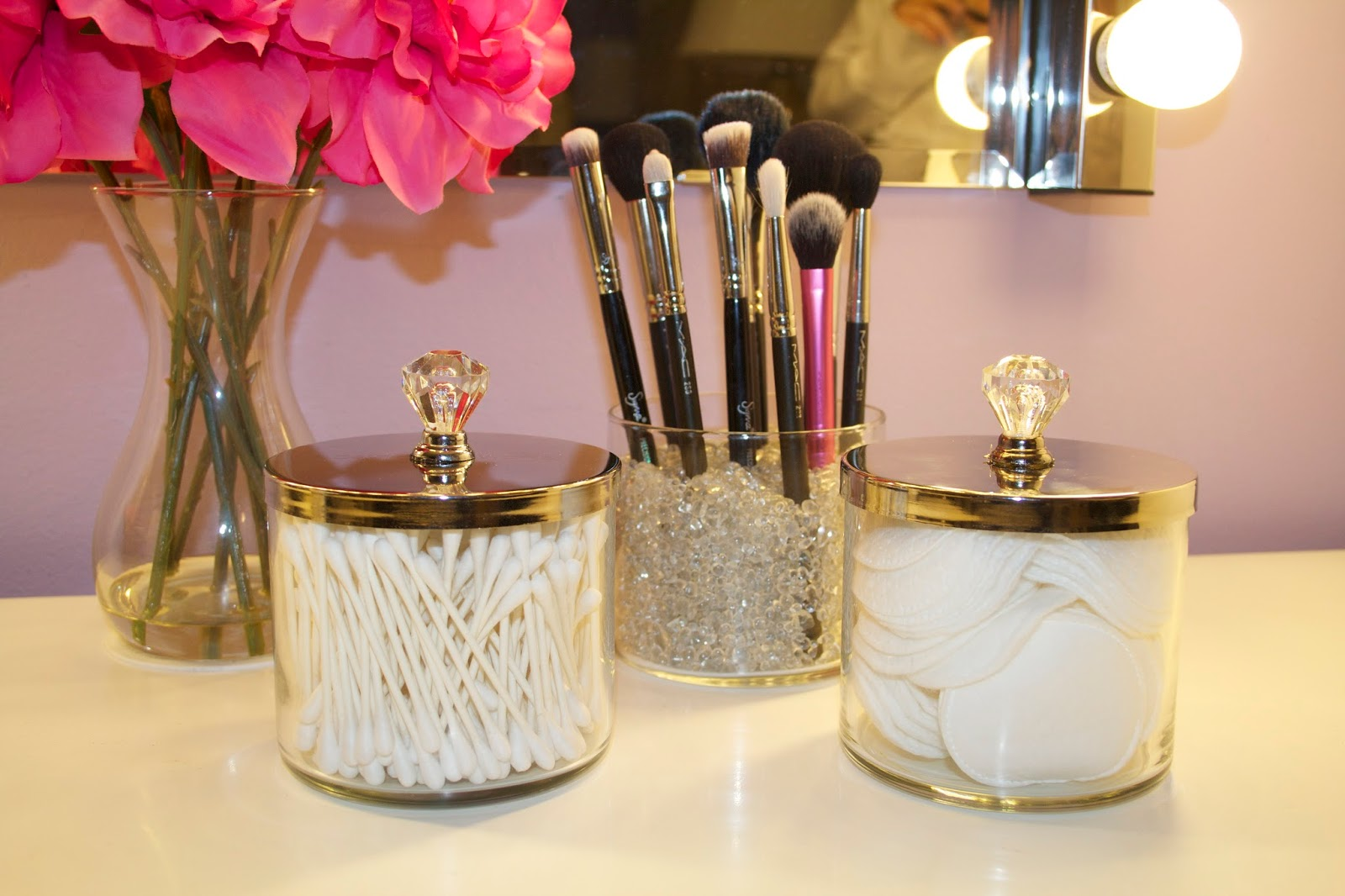 18 Clever Ideas For Organizing Your Makeup