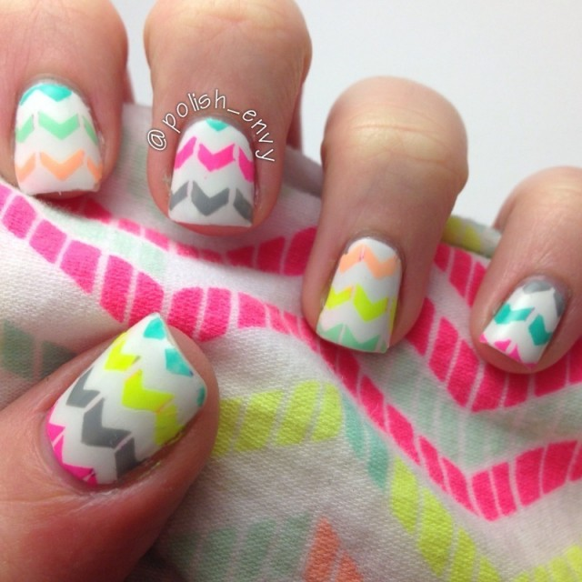 16 Zig-Zag Nail Art Designs To Try This Spring
