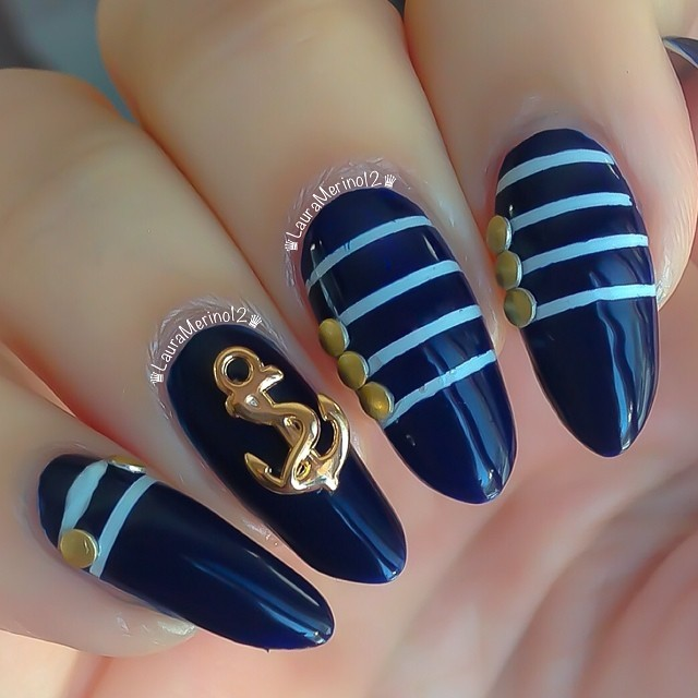 nautical-stiletto-nails-laura-merino