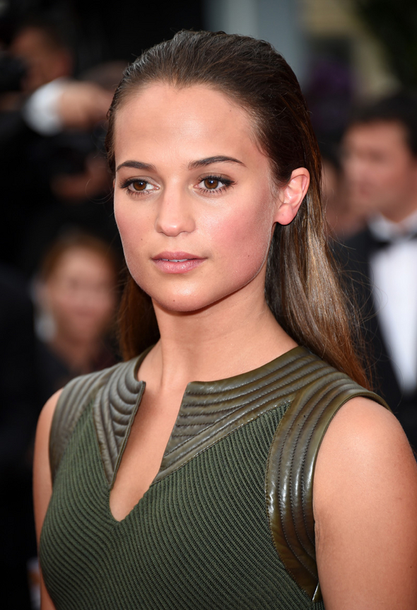 alicia-vikander-makeup