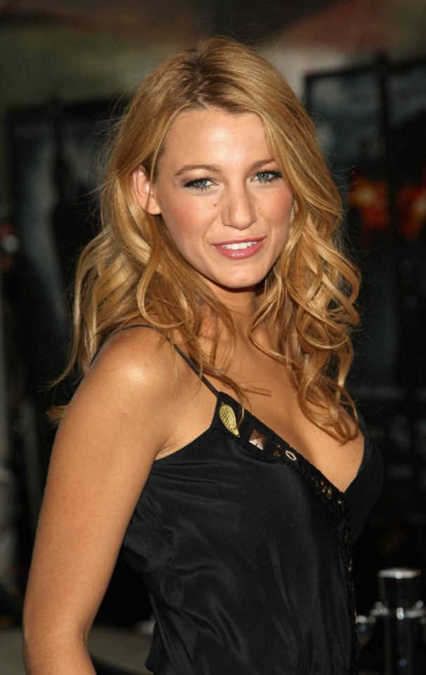 """NEW YORK - JULY 14:  Actress Blake Lively attends the world premiere of """"The Dark Knight"""" at AMC Loews Lincoln Square - IMAX on July 14, 2008 in New York City.  (Photo by Stephen Lovekin/Getty Images for Belstaff)"""