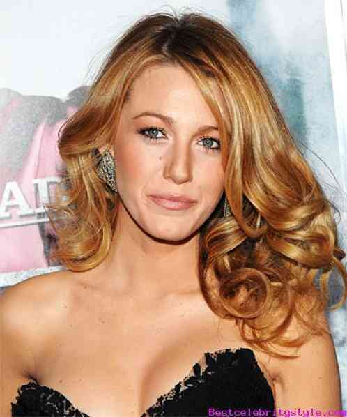 blake-lively-s-10-best-hairstyles-ever-2015_1
