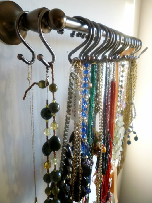 35813-S-Hook-Necklace-Organizing
