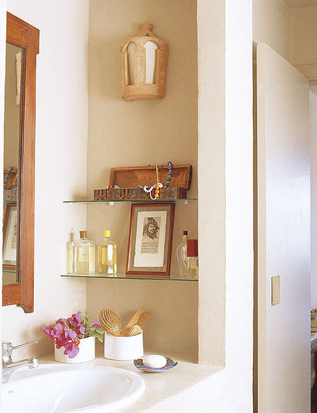 storage-ideas-in-small-bathroom-14