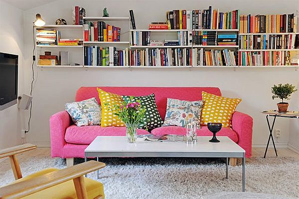 space-saving-small-living-room-tips-tricks