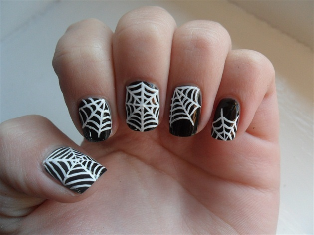 gallery_big_spider-web-nail-art