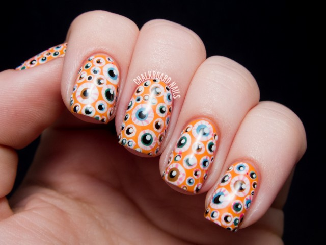 halloween-nail-art-eyeballs-2