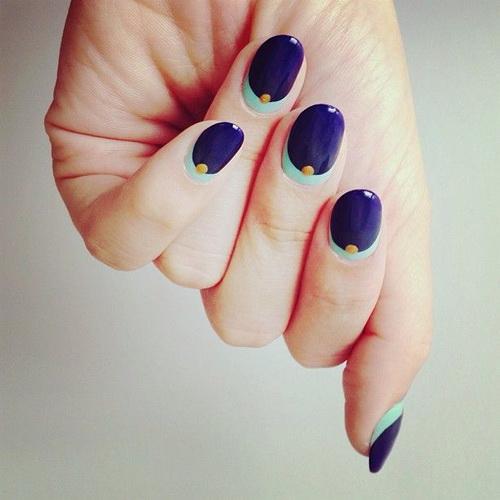 nails-blue