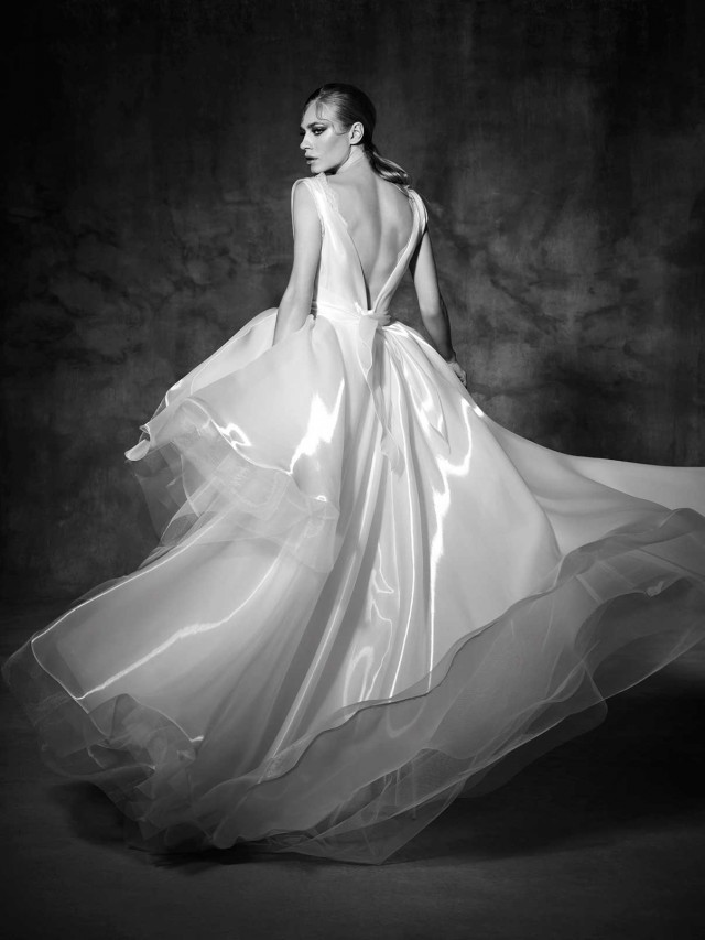 TARRAGONA_2_yolancris_couture_dress_wedding_high_end_barcelona_bridal_gown_vestido