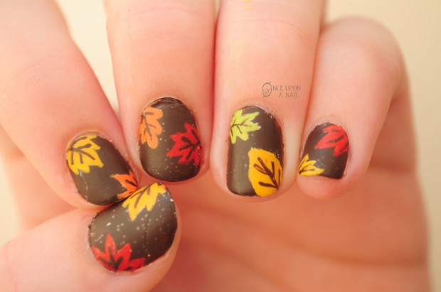 Thanksgiving-fall-autumn-nail-art-50-620x411