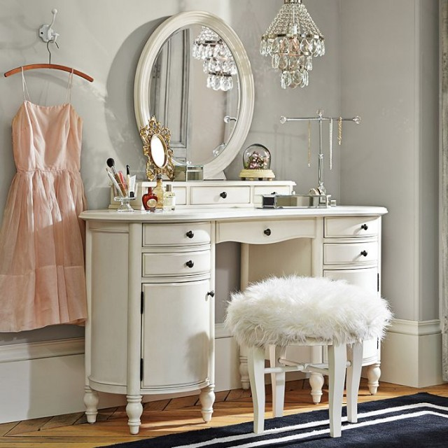 vanity-set-bedroom