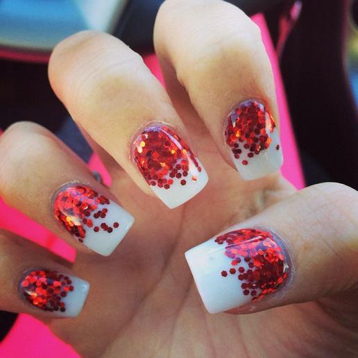 15 Impressive Christmas Nail Designs