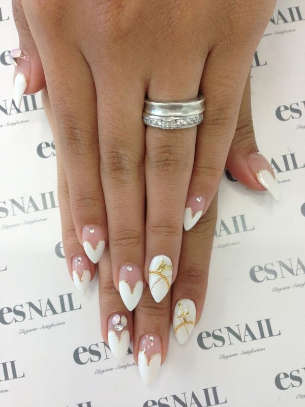18 Astonishing Wedding Nail Designs