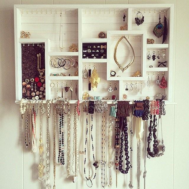 diy jewelry organizer17
