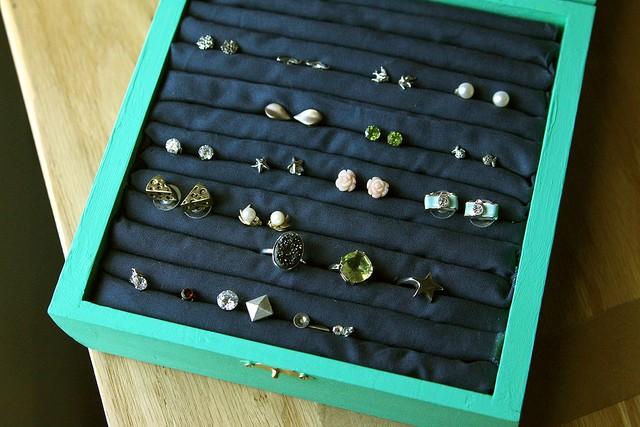 diy jewelry organizer6