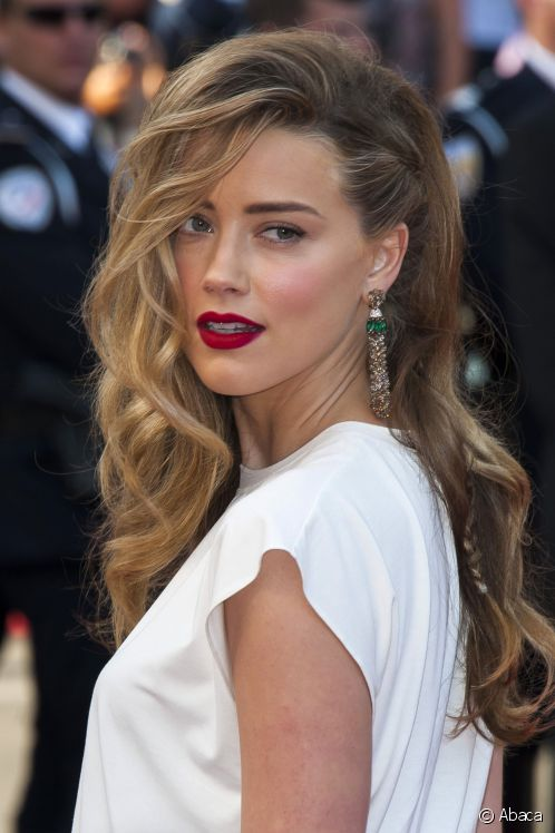 10 Gorgeous Celebrity Wavy Hairstyles You Will Love