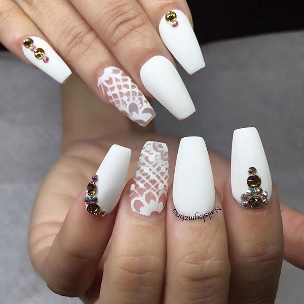 12 Charming Bridal Nail Designs You Should Not Miss