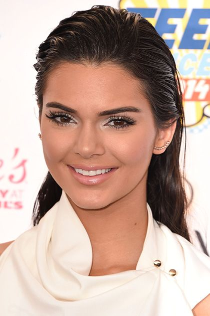 LOS ANGELES, CA - AUGUST 10: Kendall Jenner arrives at the FOX's 2014 Teen Choice Awards at The Shrine Auditorium on August 10, 2014 in Los Angeles, California. (Photo by Steve Granitz/WireImage)