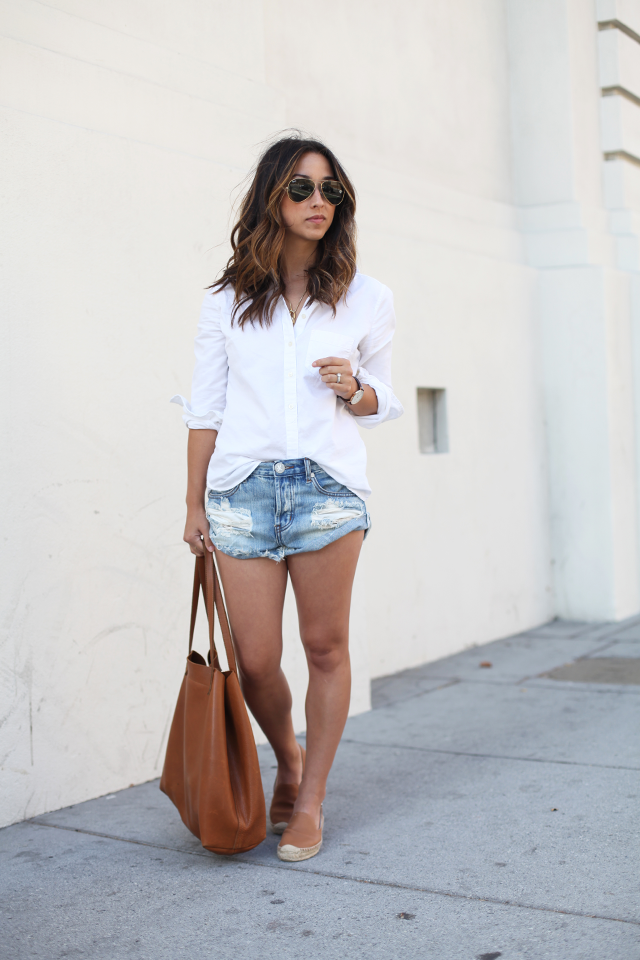 Classy And Beautiful Outfit Ideas With Denim Shorts And