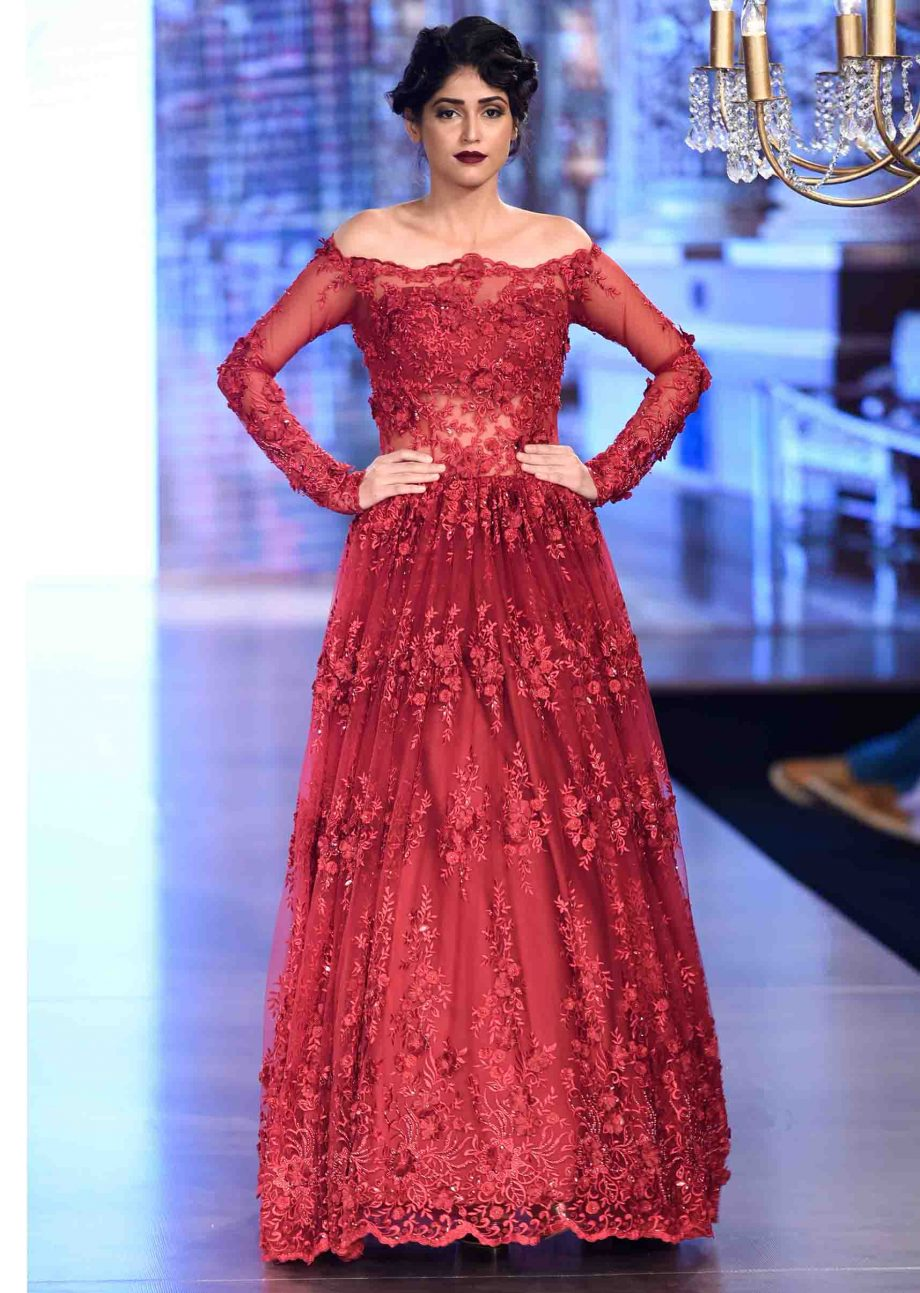 DESIGNER PARTY AND WEDDING GOWNS THAT REFLECTS YOUR STYLE