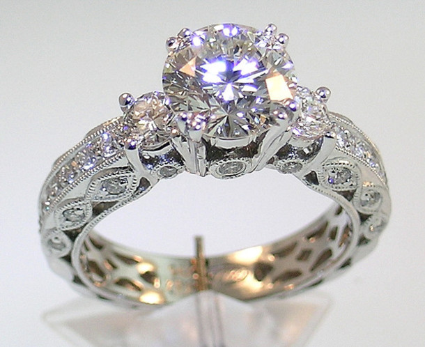 What to Look for in Buying a Diamond Ring