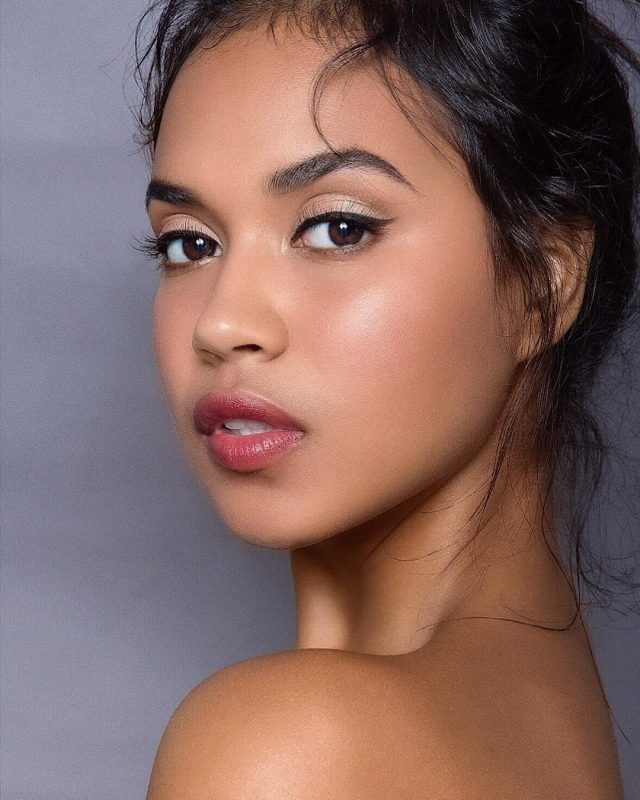 A Complete Guide To Light Olive Skin Tone Makeup