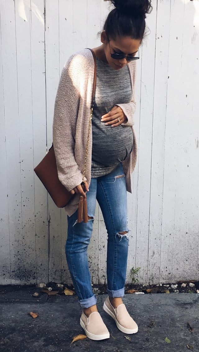 Warm Fall Maternity Outfits That Look Ultra Modern