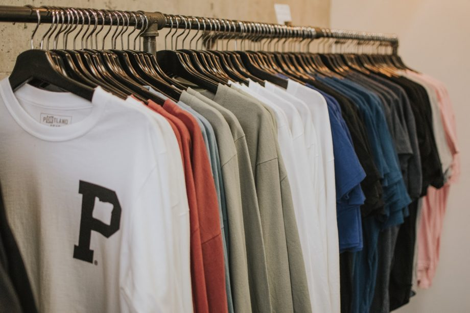 What To Wear When Moving: A Mover's 4-Step Guide Dress Code