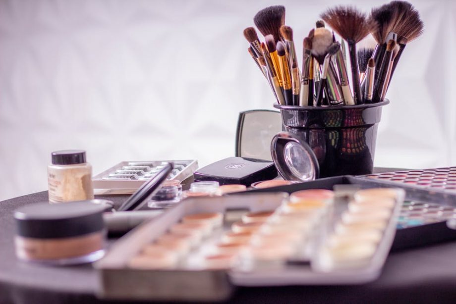 4 DIY Beauty Trends You Should Not Be Doing Yourself