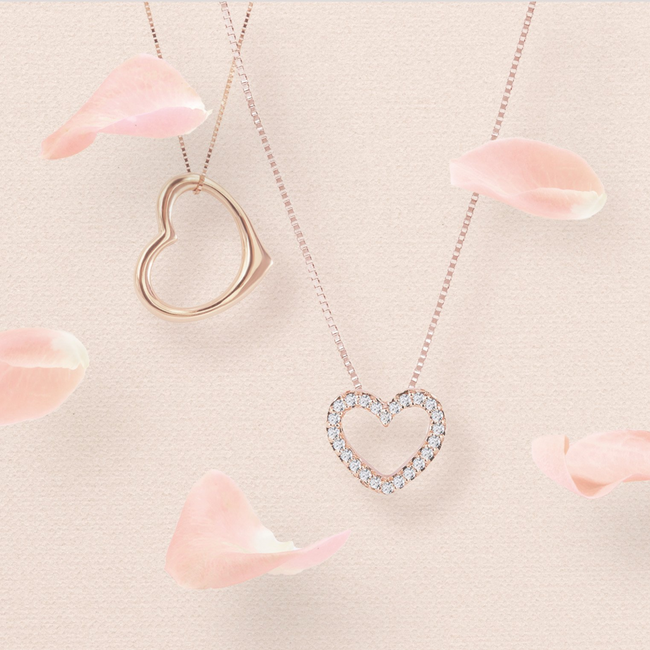Discover heart-shaped pendants, the romantic trend of 2020